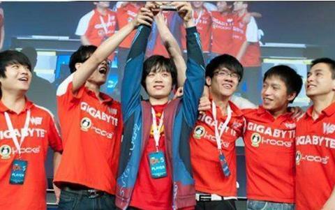 科普一下, 请别再说LOL世界总决赛S2赛季是WE总冠军了