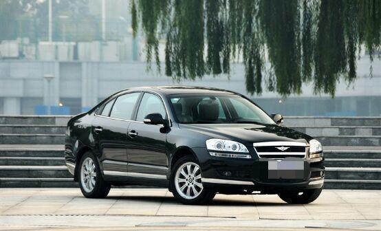 卖价高达25万的奇瑞车, 开出去经常被认为是宾利豪车