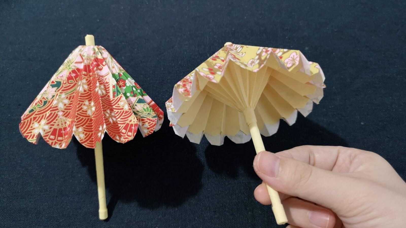 香香手工 漂亮的折纸山茶花,捡根树枝装扮一下,插在花瓶里超级漂亮的