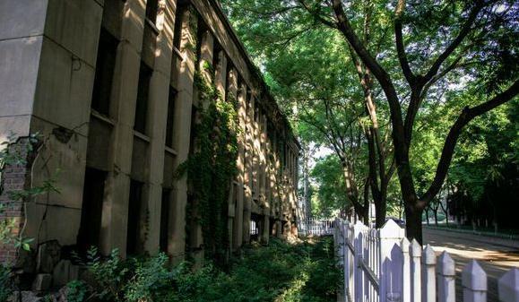 有史以来改名最让人嫉妒的大学,改名前像民办