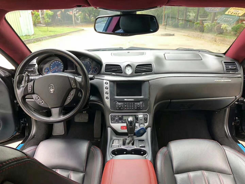 玛莎拉蒂GT原价247万,现仅15万,卓越的驾驶性能,车速媲美赛车