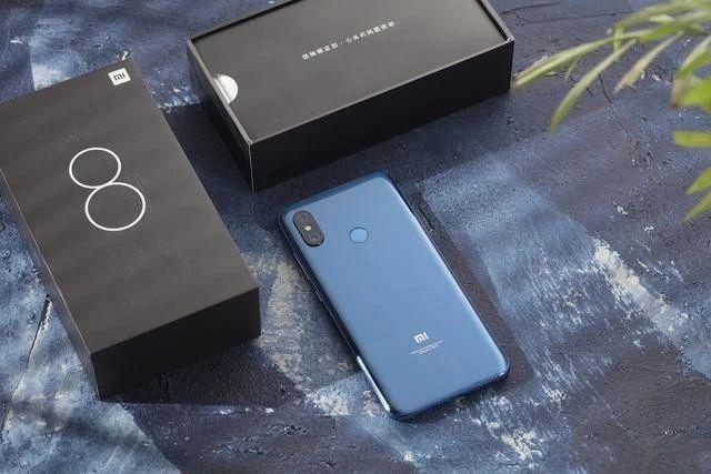小米8的一点黑科技,同时蓝色和金色版也将发售