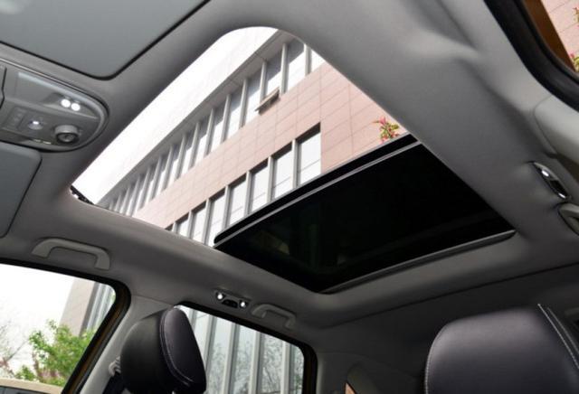 一键启动+全景天窗,轴距2725mm,8万就可开回家,你还在看H6?