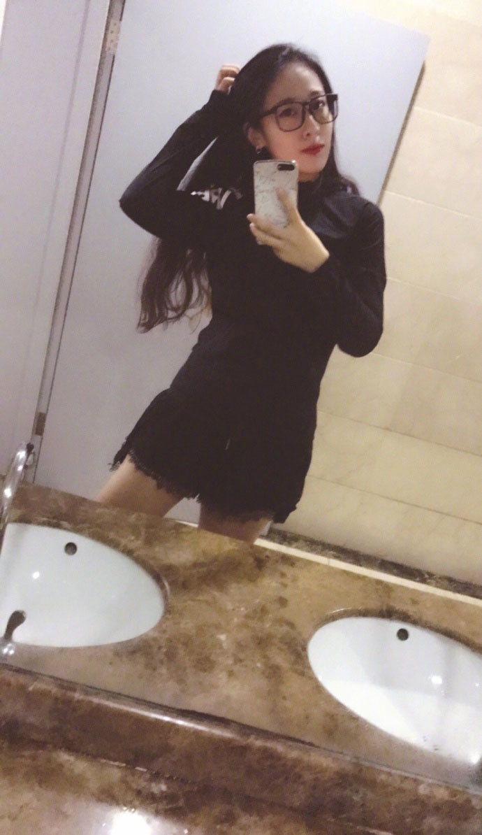 """""""中国最美女胖子""""及伟佳爆出了一组个体瘦身写真照"""