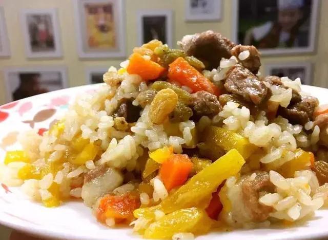 新疆大全美食做法羊肉抓饭,为你v大全冬季的a大全美食街支塘图片