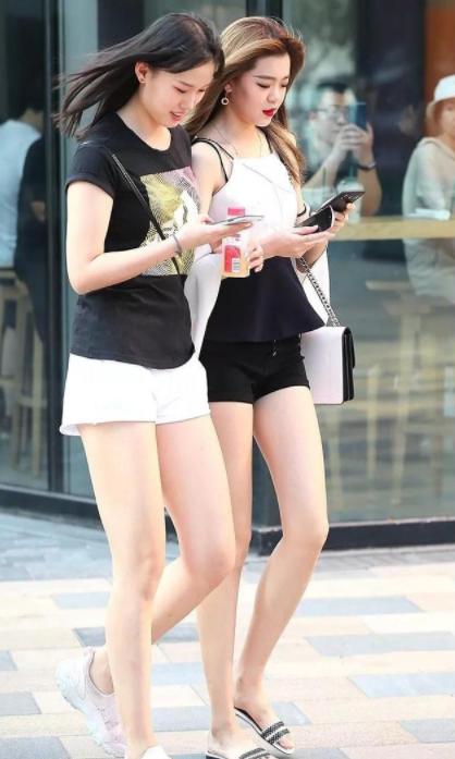 美女色图上海-图图_街拍:九翘三弯的上海美女,图六是亮点,洋气十足又有.
