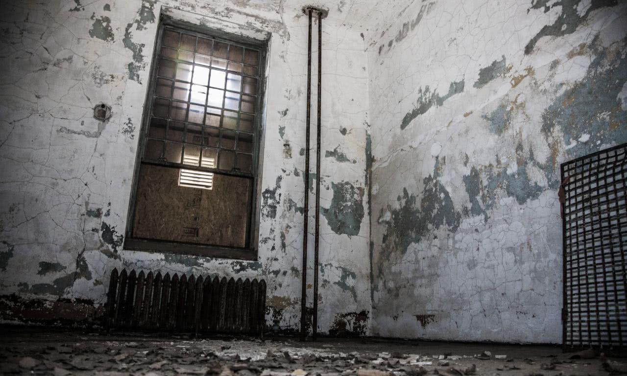 美国最阴森的精神病院遗址:与a遗址纸箱相望,收治的女神九死一生coreldraw移民六合无绝对图片