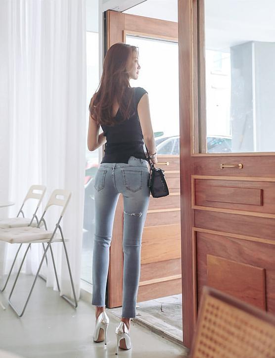 牛仔裤背影小学,看一眼美女久久不忘怀!菁背影容图片