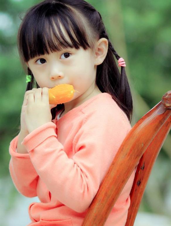 田亮女儿森碟近照曝光,五年时间过去了,网友:美的简直图片