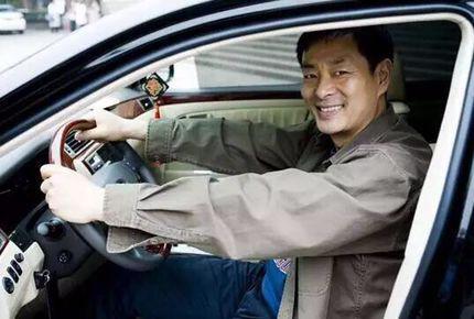 实力派国宝级演员濮存晰老师,座驾竟是一款老牌国产车