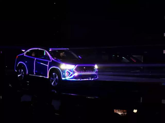 车机玩王者荣耀不卡顿!哈弗轿跑SUV F7x会成为年轻人的新宠吗?