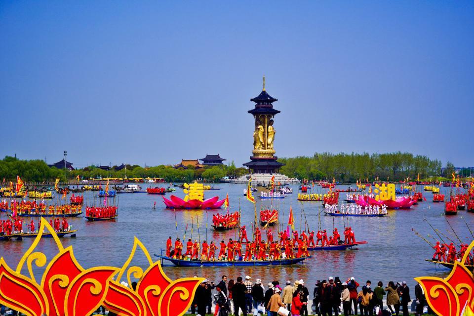 """江苏竟有个""""东方水城威尼斯"""",还是麋鹿故乡,溱潼会船的主战场"""