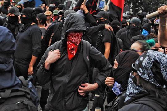 """美国波特兰议会开坏头:主动向""""起义军""""战士赔偿,承认警察暴力"""