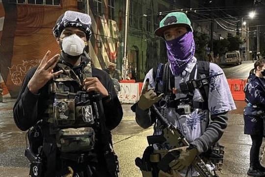 """大批白人武装再度猛攻""""起义军""""根据地:美国西雅图市激战一夜"""