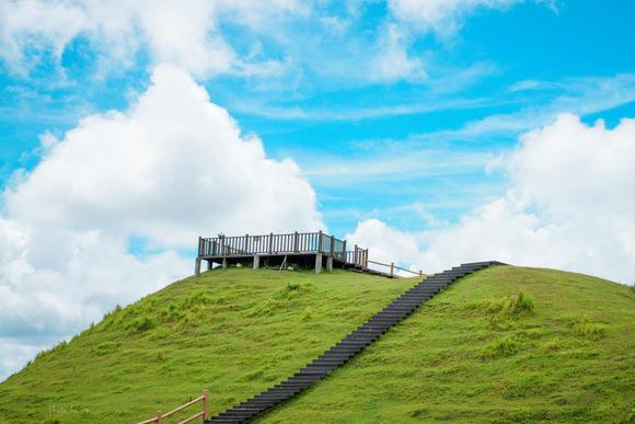 中国最大的山地公园,也是避暑胜地之一、游客不多,就藏广西梧州