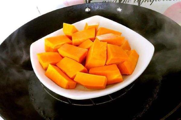 南瓜不要只会制作南瓜饼吃了,试试这种做法,无水无油,美味营养