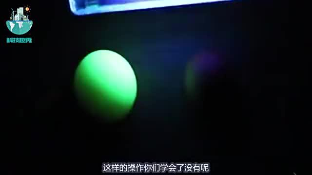 """国外小伙用鸡蛋制作""""夜明珠"""",手艺堪称完美,过程真是简单!"""
