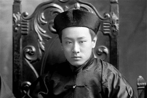 清朝坠落之时,载沣为何最先想到了袁世凯,就连革命党也信服他?