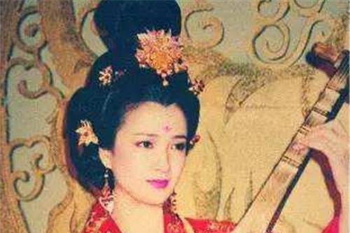 她是唯一演完四大名著的人,因太漂亮受六小龄童邀请,成最佳女主