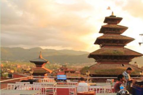 """尼泊尔""""处女神""""在位时万人敬仰,国王都要尊敬,退位后无人敢娶"""