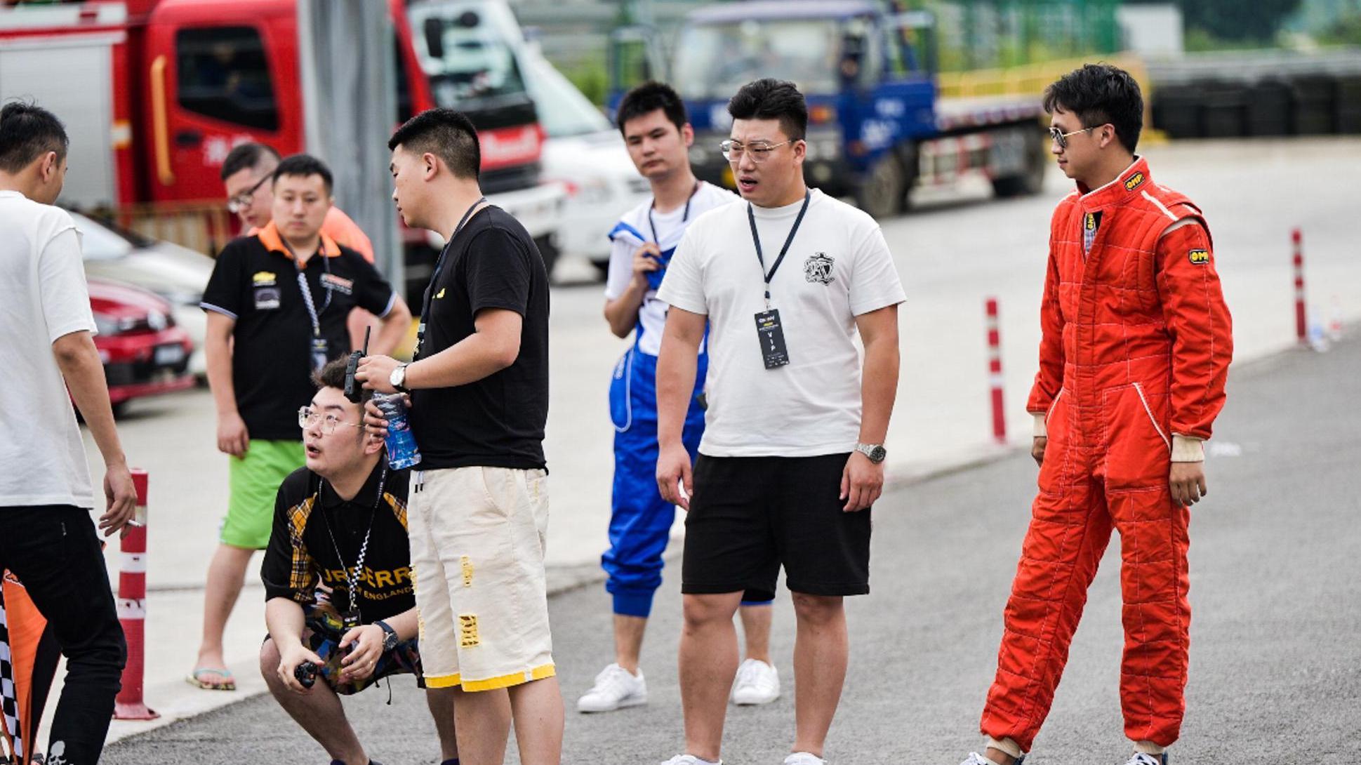 重庆汽车改装服务商云旗贸易企业宣传