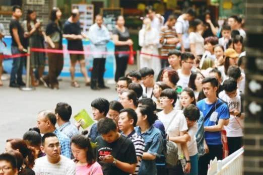 长江索道从1.8元涨价到20元,排队却要3小时,你还会去吗?