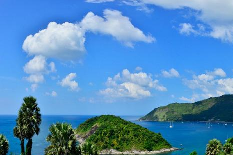 人妖、跳岛、日光浴,普吉岛船难之后首个大长假,中国游客玩得嗨