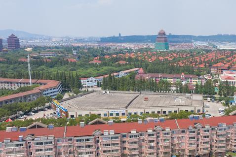 中国第一村华西村,合并了20多个村实现共同富裕,景色壮观