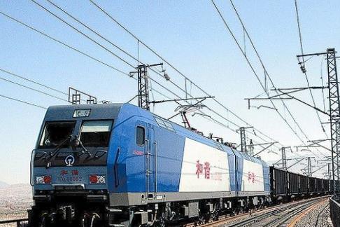 """我国运载量最大的铁路,并不运载乘客,只装煤,被称为""""运钞机"""""""