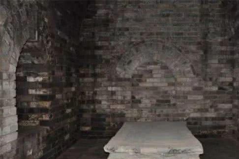 朱元璋女儿古墓里,发现有20个大活人居住,到底怎么回事?
