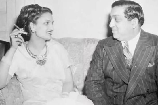 """印度最土豪的王妃,珠宝太多穿成""""圣诞树"""",地毯镶满珍珠和钻石"""