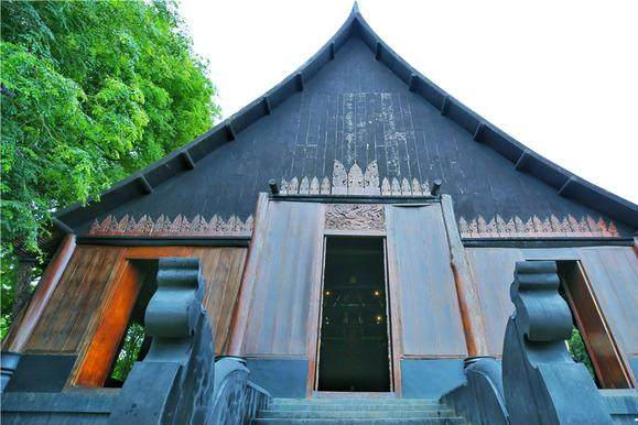 清莱黑庙:最阴森吓人的奇特博物馆
