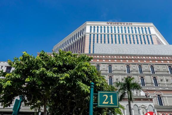 澳门超级大酒店有3000间豪华套房,仿意大利威尼斯水乡建造而闻名