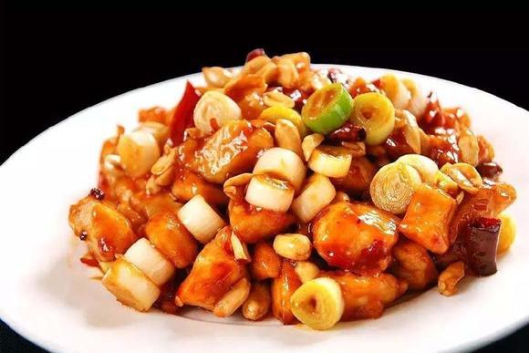 八道经典名菜,其中只有一道不属于川菜,是吃货一眼就能认出来!