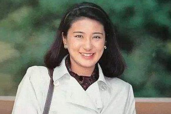 她是日本新晋皇后,哈佛毕业的天才外交官,25年媳妇终于熬成婆