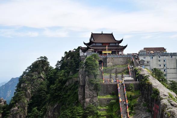 全球最大的地藏菩萨像:高99米耗资15亿,整整花了10年才建成