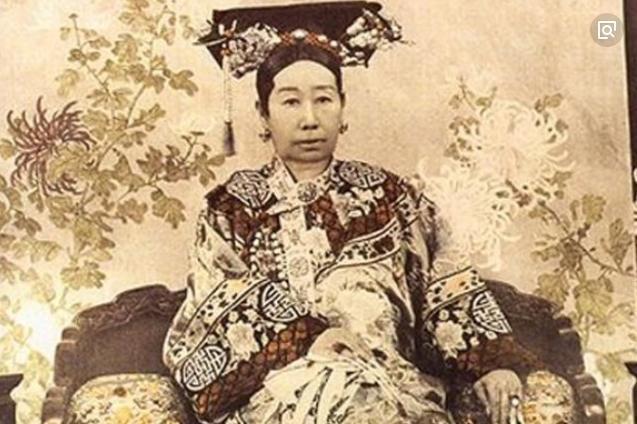 同样是清朝的圣母皇太后,慈禧太后和孝庄太后为什么差别那么大?