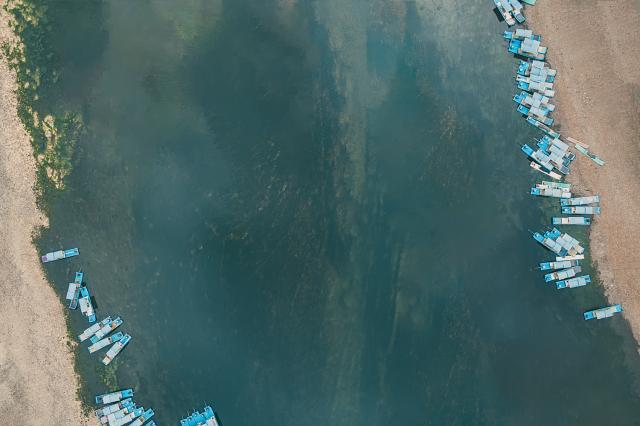 桂林有条长164公里的河段,最火的在中间,因为是纸币取景地