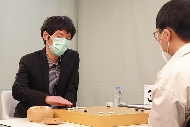 有些传奇越来越平凡却更显亲切 韩国最强棋士战李昌镐速胜新贵