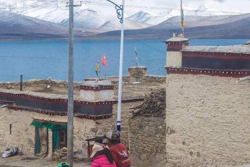 我国最接近天堂的村庄,平均寿命只有40岁,全村共用一个厕所