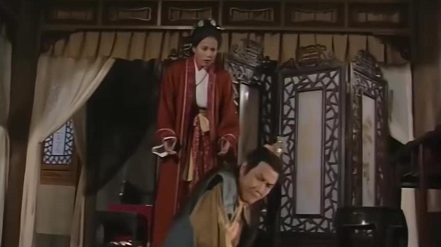段正淳与甘宝宝相濡以沫没一会,钟万仇立即前来捉拿!
