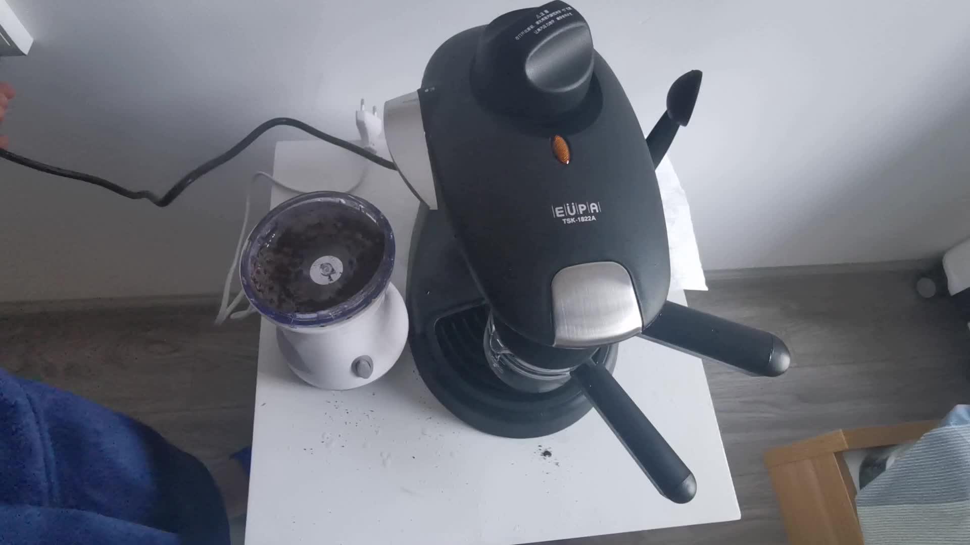 昆明小伙第一次自己做咖啡,可惜呀,还是不懂咖啡,浪费了咖啡机