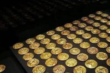 古井挖出金子,考古队在周围找到100斤黄金,专家:地下还有150吨