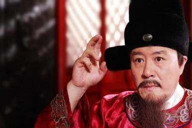 岳飞认为不爱钱才是合格大臣,秦朝王翦爱财如命为什么人人夸