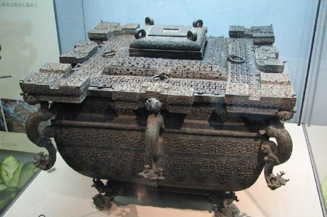 """千年古墓挖出""""冰箱"""",现代技术无法复制,专家:古人太厉害了"""