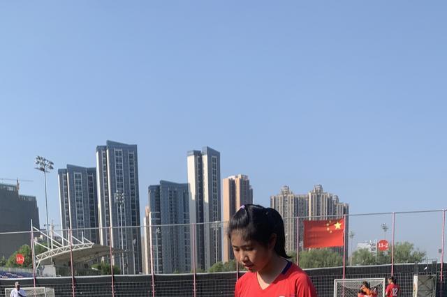 武汉市女足10队员王嘉欣:努力提升自己,希望将来进入国家队