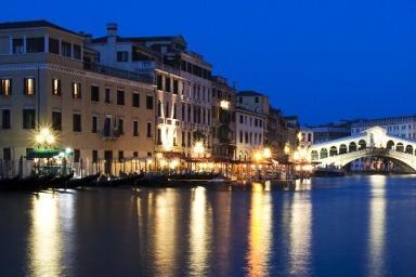 """中国斥资50亿建山寨""""威尼斯"""",老外说:文化底蕴是你抄不来的!"""