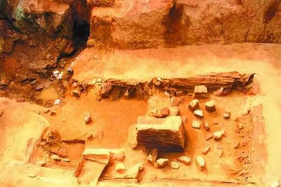 """盗墓贼挖了25米深盗洞,不仅带不走文物,还让自己成了""""文物"""""""