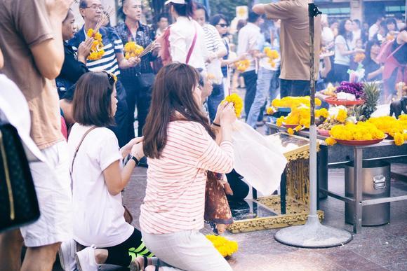泰国曼谷人气最高的四面佛,每年揽金近20亿,其实根本不是佛!