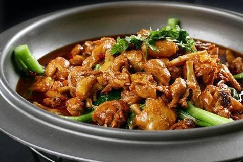 做红烧鸡分为三步,颜色好看有食欲,看酒店大厨分享技巧